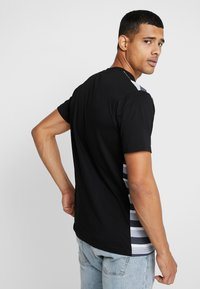 FAKTOR - HARDY TEE - T-shirt con stampa - black - 2