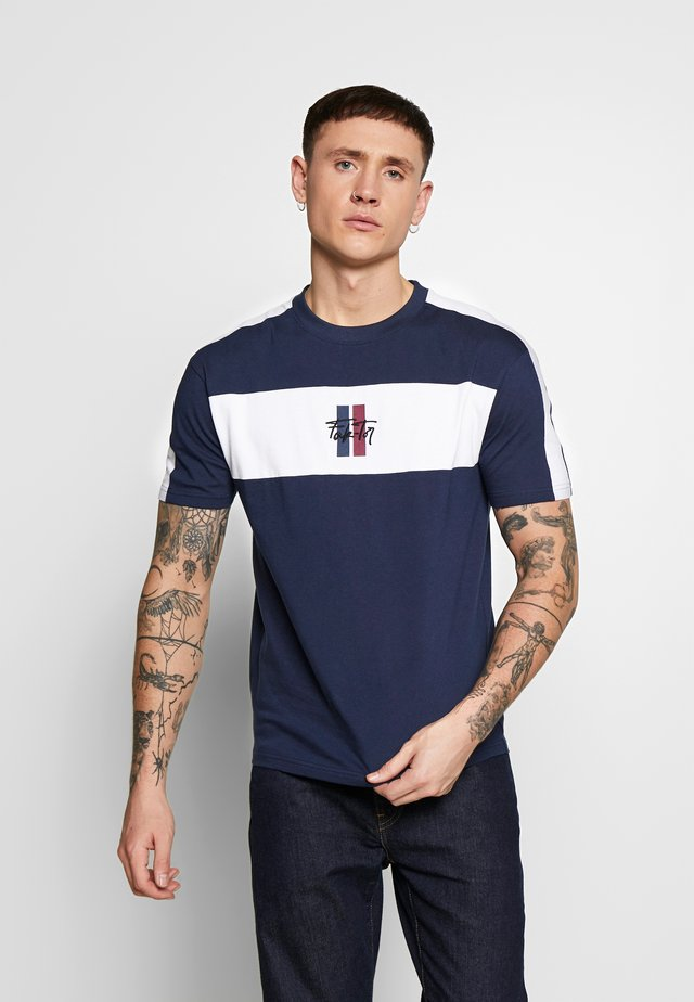 SUMMIT TEE - T-shirt con stampa - navy