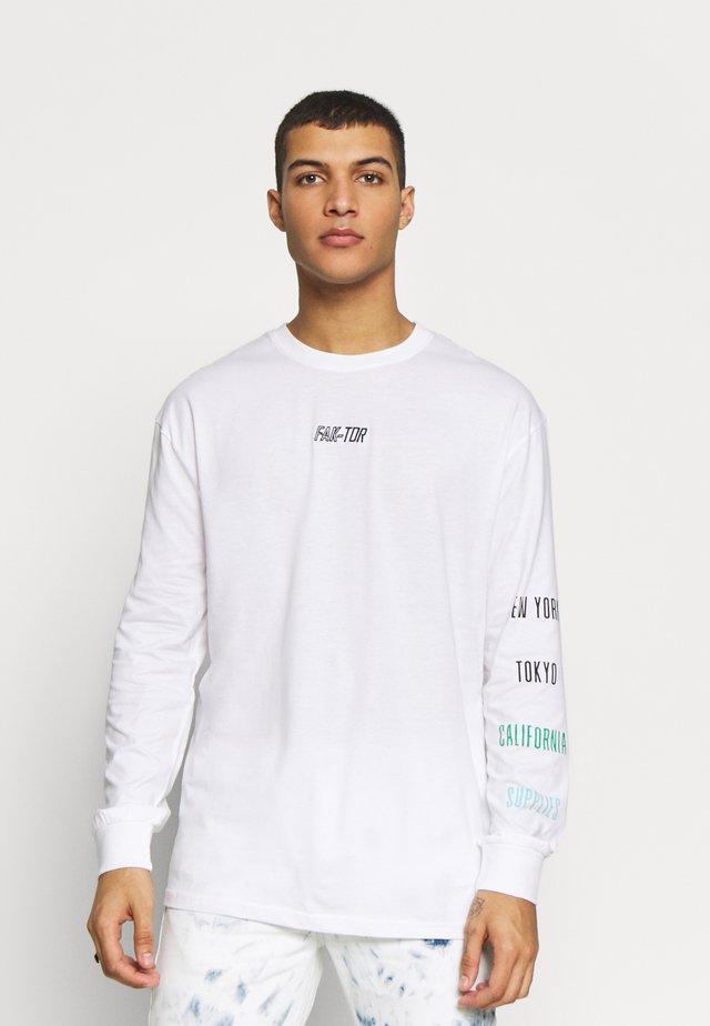 DYNASTY TEE - Camiseta de manga larga - white