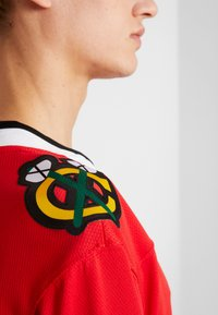 Fanatics - NHL CHICAGO BLACKHAWKS FANATICS BRANDED HOME BREAKAWAY - Article de supporter - red - 4