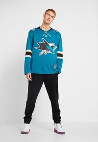 Fanatics - NHL SAN JOSE SHARKS FANATICS BRANDED HOME BREAKAWAY - T-shirt à manches longues - dark green - 1