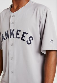 Fanatics - NEW YORK YANKEES MAJESTIC COOPERSTOWN COOL BASE - Fanartikel - white stripes - 3