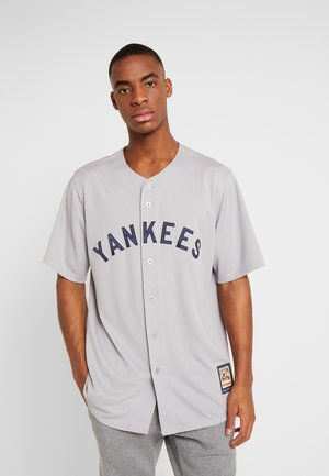 NEW YORK YANKEES MAJESTIC COOPERSTOWN COOL BASE - Article de supporter - white stripes