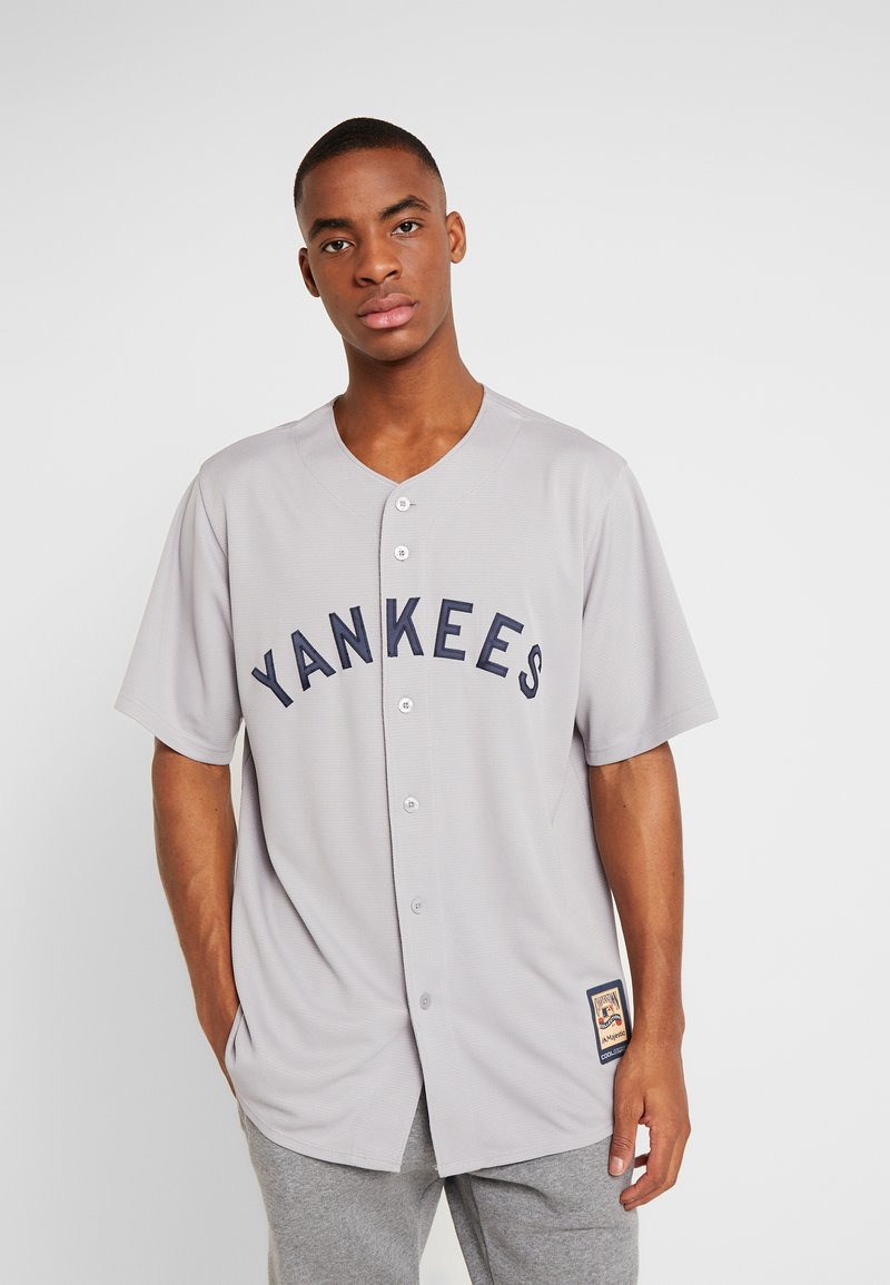 Fanatics - NEW YORK YANKEES MAJESTIC COOPERSTOWN COOL BASE - Fanartikel - white stripes