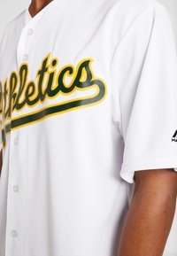 Fanatics - MLB OAKLAND ATHLETICS MAJESTIC COOL BASE HOME JERSEY - T-shirt imprimé - white - 3