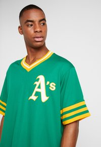 Fanatics - MLB OAKLAND ATHLETICS MAJESTIC COOPERSTOWN COOL BASE ME - Klubbkläder - green - 3