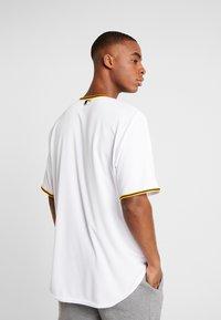 Fanatics - MLB PITTSBURGH PIRATES MAJESTIC COOL BASE HOME  - T-shirt print - white - 2