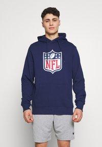 Fanatics - NFL ICONIC PRIMARY COLOUR LOGO GRAPHIC HOODIE - Hoodie - navy - 0