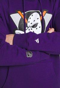 Fanatics - NHL ANAHEIM DUCKS ICONIC SECONDARY COLOUR LOGO GRAPHIC HOODIE - Klubtrøjer - purple - 4