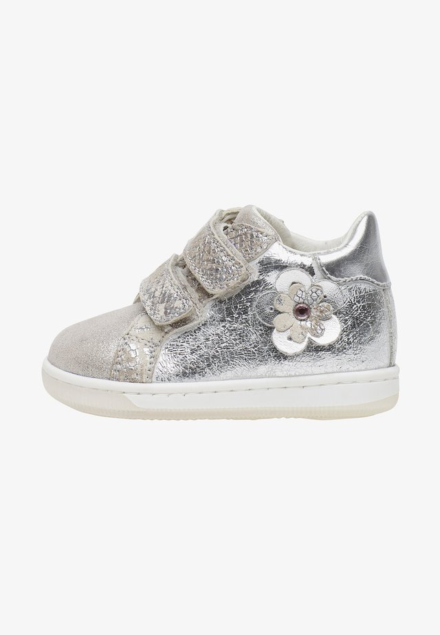ADHIRA VL - Baby shoes - silver
