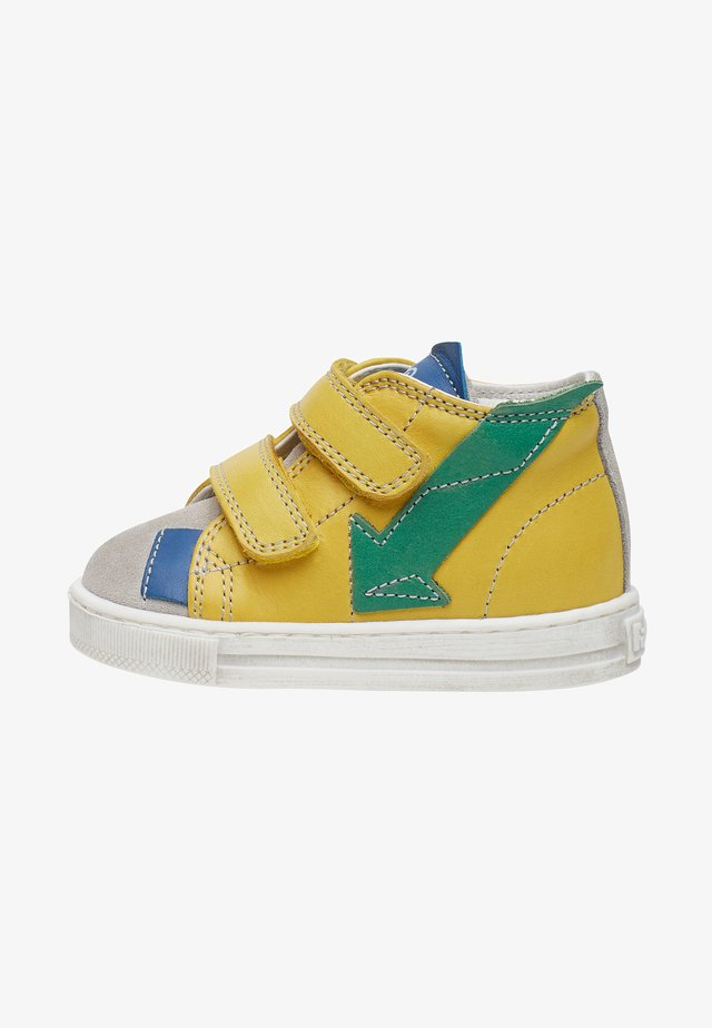 FEBE V - Chaussures premiers pas - yellow