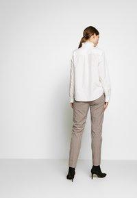 Frame Denim - EASY PLEATED - Bluse - blanc - 2