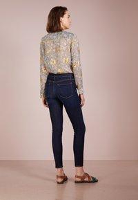 Frame Denim - DE JEANNE - Jeans Slim Fit - queensway - 2