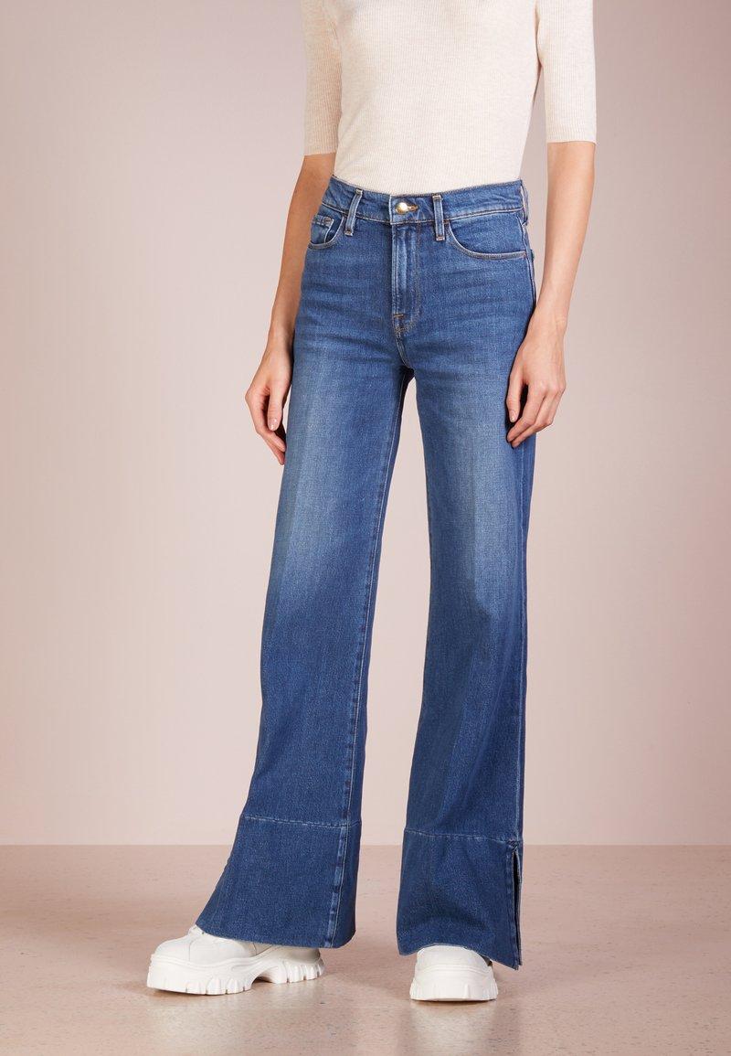 Frame Denim - PALAZZO PANIL SLIT - Flared Jeans - fisher beach