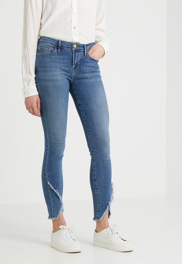 DE JEANNE ASYM RAW - Jeans Skinny Fit - cristallo