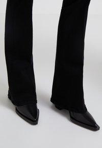 Frame Denim - LE HIGH  - Flared jeans - film noir - 4