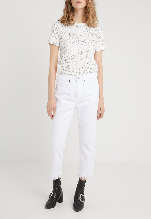 STEVIE CROP MISCRO SHREDDED RAW - Džíny Relaxed Fit - blanc
