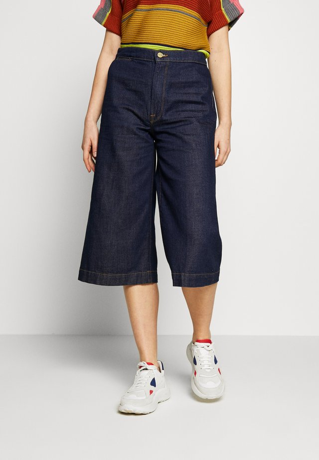 CULOTTE TROUSER - Denim shorts - robertson