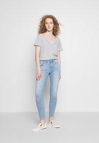 Frame Denim - LE DE JEANNE - Jeans Skinny Fit - blue denim - 1