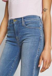 Frame Denim - LE SKINNY DE JEANNE SANDED SEAM - Jeans Skinny Fit - blue - 4