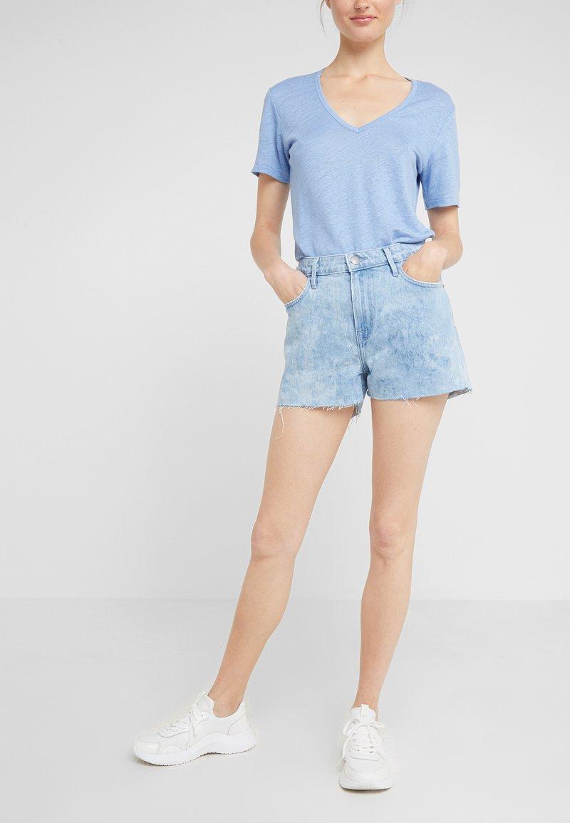 Frame Denim - LE GRAND GARCON  - Short en jean - cloud