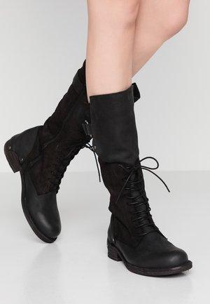 VERDY - Šněrovací vysoké boty - black