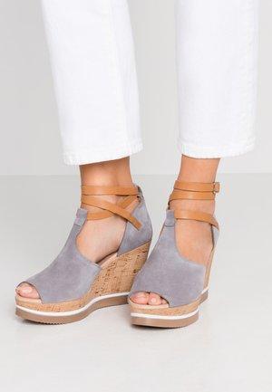 MARY - Sandały na obcasie - grill/cuoro