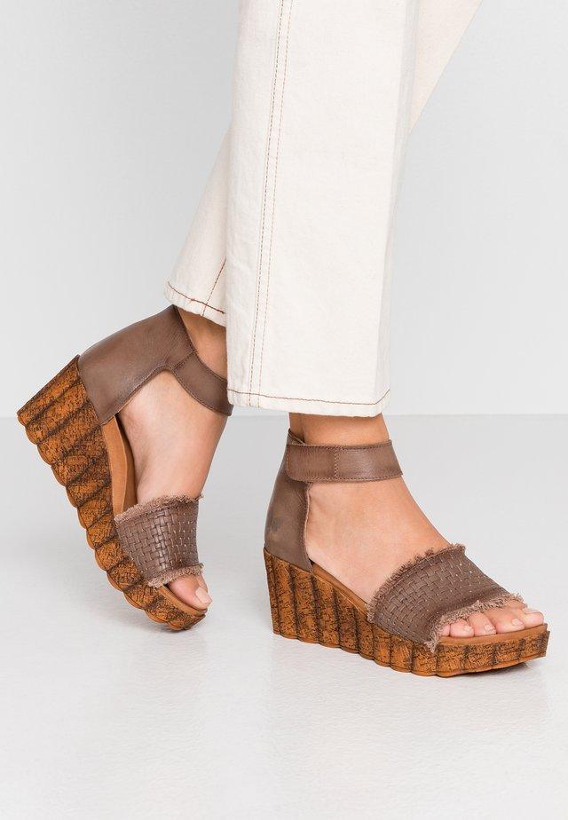LESLIE - Korkeakorkoiset sandaalit - ash