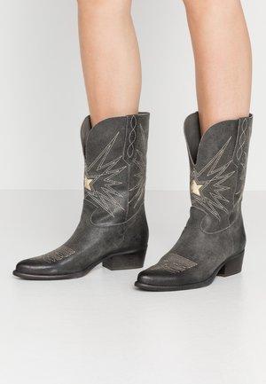 WEST - Cowboy/Biker boots - noumerat asfalto