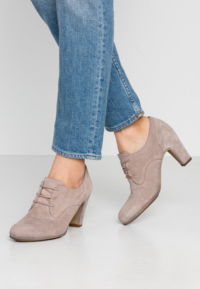 WILMA - Boots à talons - taupe