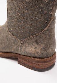 Felmini - GREDO - Cowboy/Biker boots - tobacco - 6