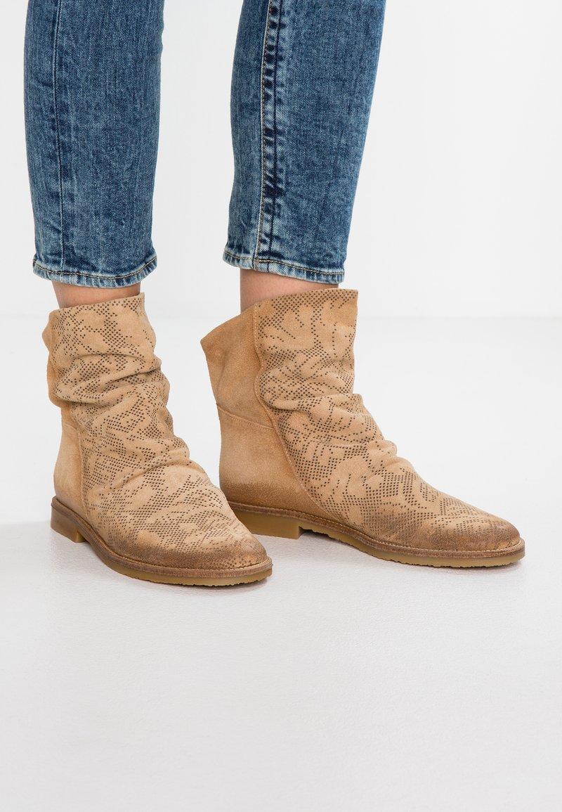 Felmini - CLASH - Classic ankle boots - tufo