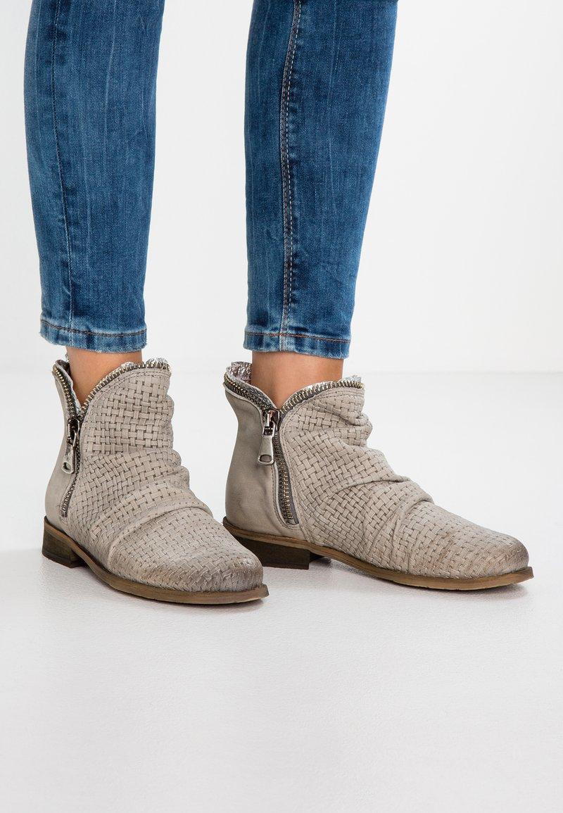 Felmini - BEJA - Classic ankle boots - pardo treccia