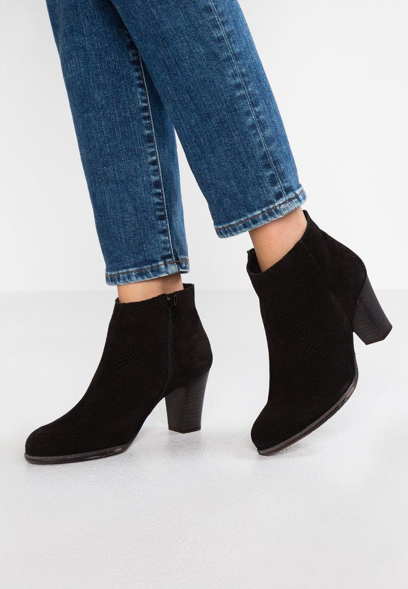 Felmini - OMEGA - Ankle boots - black