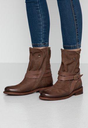 GREDO - Cowboy/biker ankle boot - pazifik/tropical/bruno