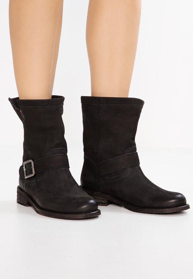 GREDO - Kovbojské/motorkářské boty - pacific black