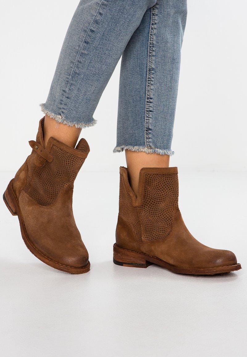 Felmini - GREDO - Classic ankle boots - onda tan