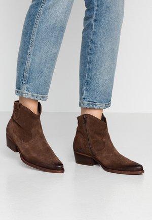 WEST - Cowboy/biker ankle boot - bruno
