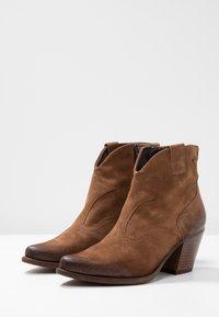 Felmini - LAREDO - Cowboy/biker ankle boot - tan - 4
