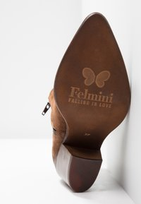Felmini - LAREDO - Cowboy/biker ankle boot - tan - 6
