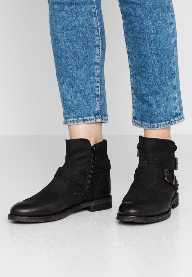 CHARMER - Cowboy/biker ankle boot - indigo/black