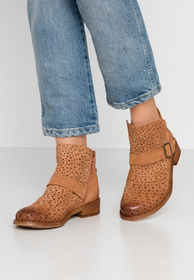 BEJA - Ankle boot - cognac