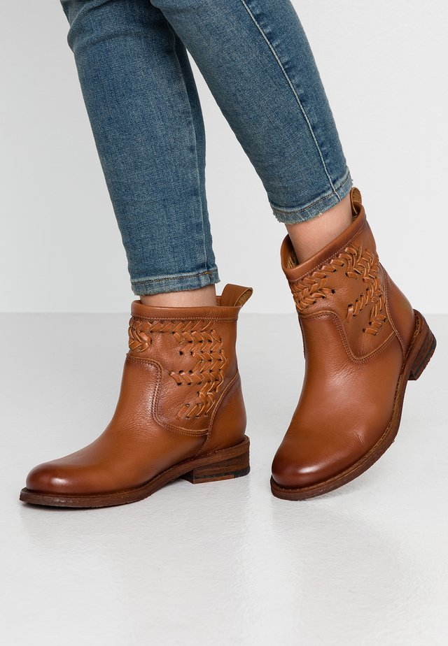 GREDO - Bottines - cognac