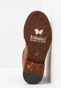 Felmini - GREDO - Classic ankle boots - cognac - 6