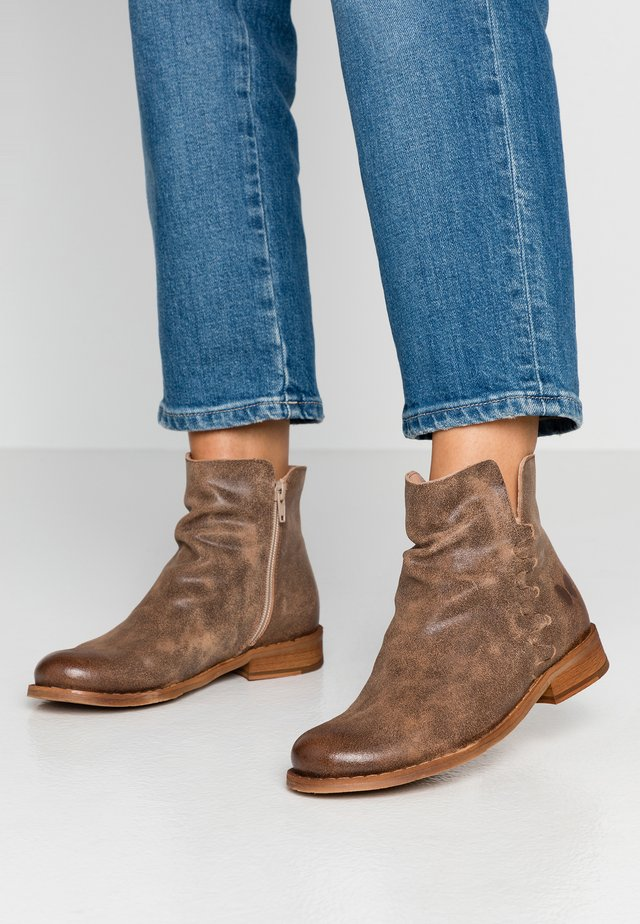 BEJA - Ankle boot - camel