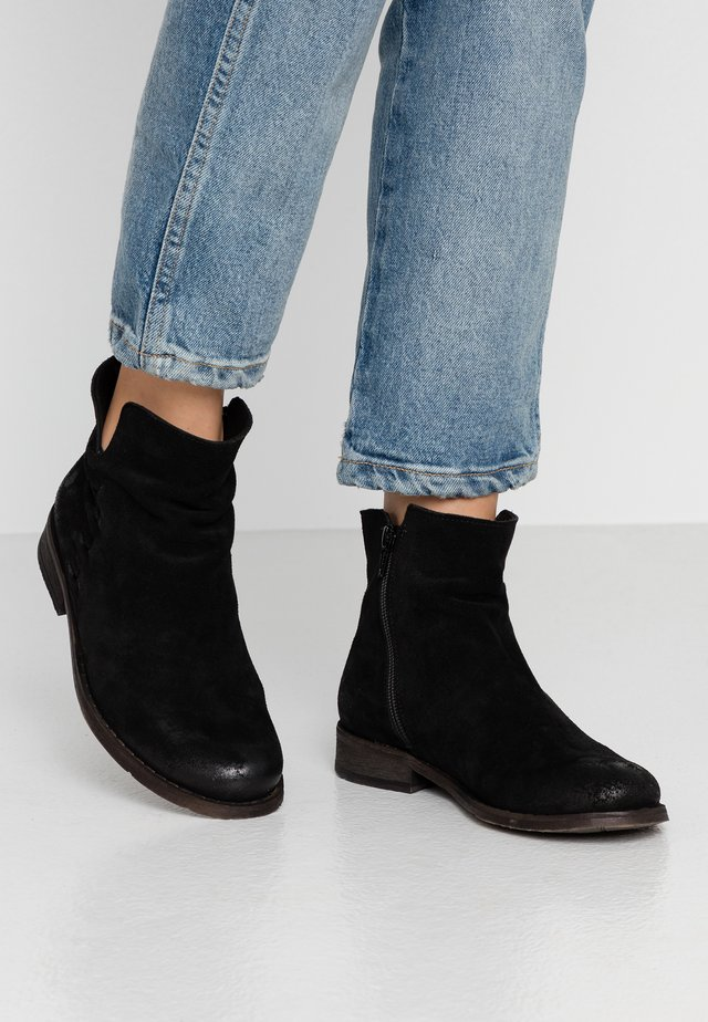 BEJA - Ankle boot - black