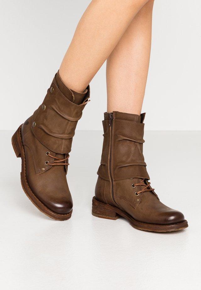 COOPER - Cowboy/biker ankle boot - morat cobre