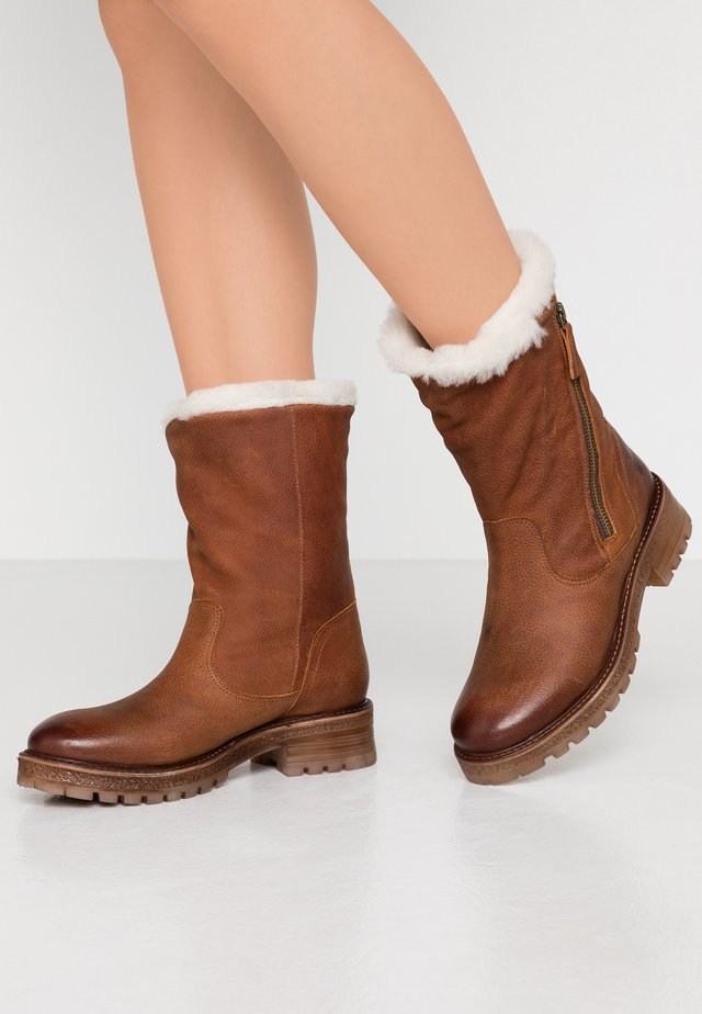 JAKI - Classic ankle boots - indigo santiago