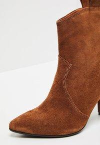 Felipa - High heeled ankle boots - marron - 7