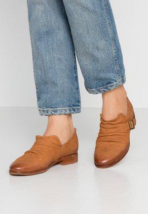 DELTA - Nazouvací boty - coganc